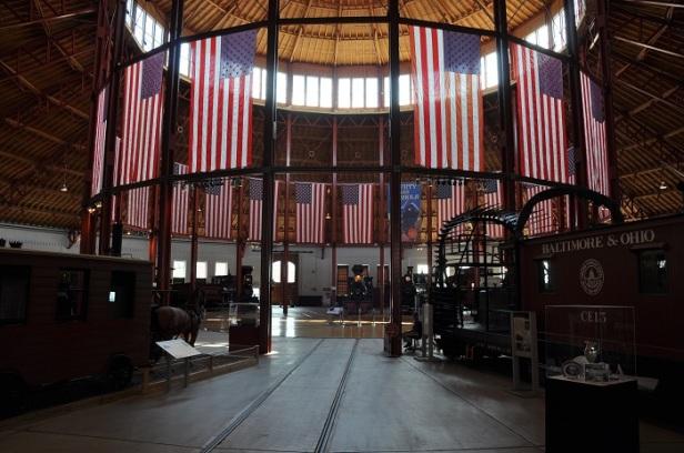 Blick in den Lokschuppen, das Heiligtum, des B&O Railroad Museums in Baltimore. (c) Ulrich Pfaffenberger